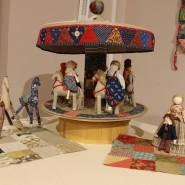Выставка «Лоскутная мелодия. От сарафана до кардигана» фотографии
