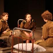 Спектакль «Это, девушки, война» фотографии