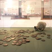 Выставка «История денег России в монетах и банкнотах» фотографии