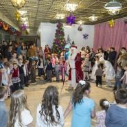 Новогодняя елка главы городского поселения Родники фотографии