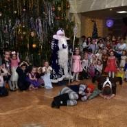Новогодний утренник «Удивительные приключения Снегурочки и Марфуши с Петрушей» фотографии