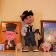 Выставка «Тысячи и одна свинья» фотографии