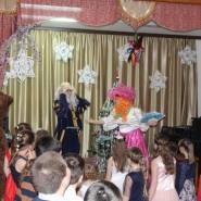 Театрализованное представление «Новогодние забавы» фотографии