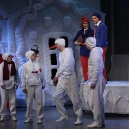 Спектакль «Школа снеговиков»