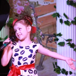 «Здравствуй, счастье» детский эстрадный концерт 0+