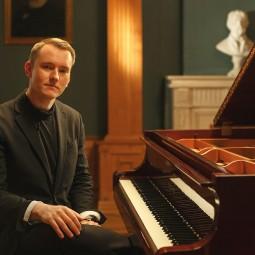Концерт Евгения Лебедева (рояль)