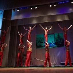 Показ записи концертно-циркового номера «Акробаты-вольтижёры»