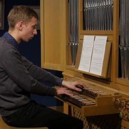 Показ немого кино «Наследный принц республики» в сопровождении фортепианной импровизации