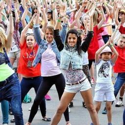 Танцевальный перфоманс «Мы за здоровый образ жизни»