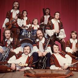 Встреча клуба меломанов и филофонистов «Винил навсегда», посвященная группе «Песняры».