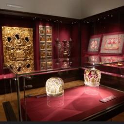 Выставка «Сокровища и реликвии Троице-Сергиева монастыря XI–XVII веков»