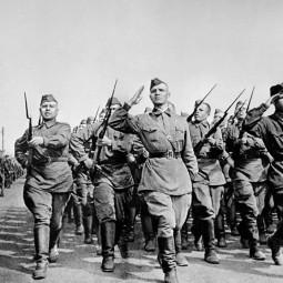 Показ записи исполнения песни «Шли солдаты на войну»