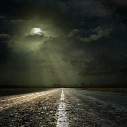 Видеопоказ песни «Луна не знает пути»