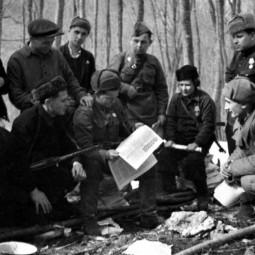 Показ видеоролика «Маленькие герои Великой войны»