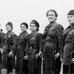Кинолекторий «Женское лицо Победы. Зенитчицы, пулемётчицы, сапёры и связисты»