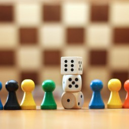«Играем сами, играйте с нами»
