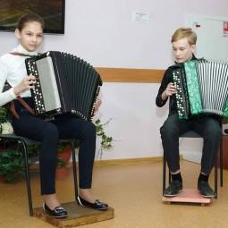 Показ записи фрагментов отчетного концерта «В сиянии музыки»