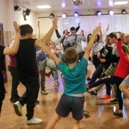 «Летняя перезагрузка»–диско-программа ко Дню молодёжи
