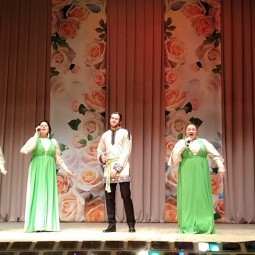 Отчетный концерт вокально-эстрадной студии «Цветные сны» и ансамбля этнической песни «Свет-Радонеж»
