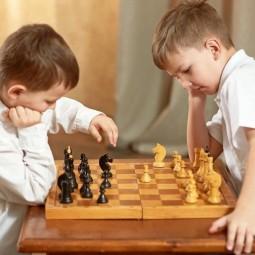 «Игра ферзей и королей»