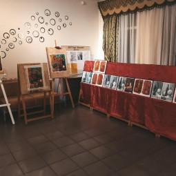Выставка детского творчества, посвященная Дню пожилого человека