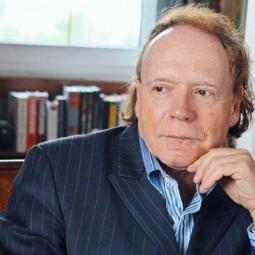 Книжная выставка «Эдвард Радзинский — драматург, писатель, историк»