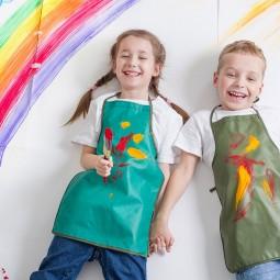 Выставка детских работ творческого объединения «Радуга». Тема: «Творчество рождает радость»