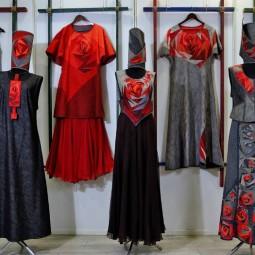 Выставка «Ритм, знак, цвет. Авторский костюм Ксении Дмитриевой»