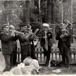 Лекция о духовом оркестре Глуховского клуба.