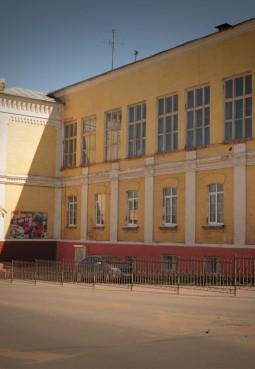 Камерный молодежный театр «Зазеркалье»