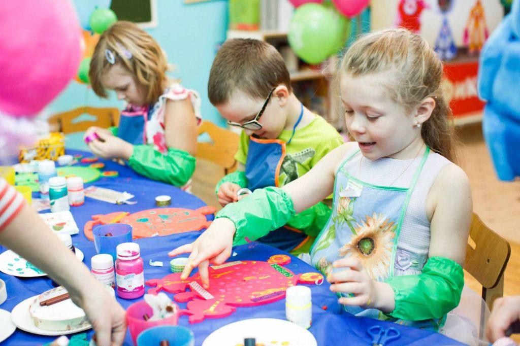 Картинка детское творчество мастерят